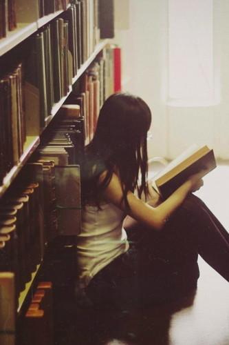 bellaslasqueleen,biblioteca,pelo-47a873afb30999f12d2b98b250478a11_h